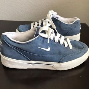 NIKE Blue Lace Up Low Top Women's Sneakers 8